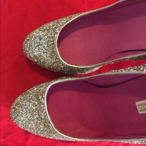 Buffalo London ✨ glitter gold platform Heels 8